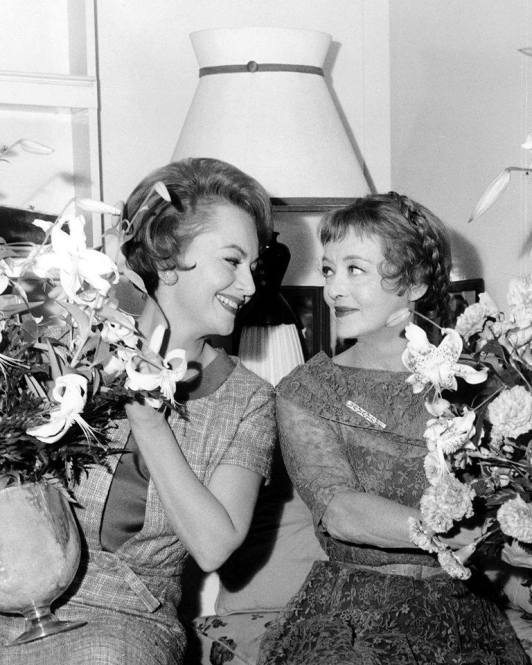 5823424d403a1__olivia-de-havilland-bette-davis