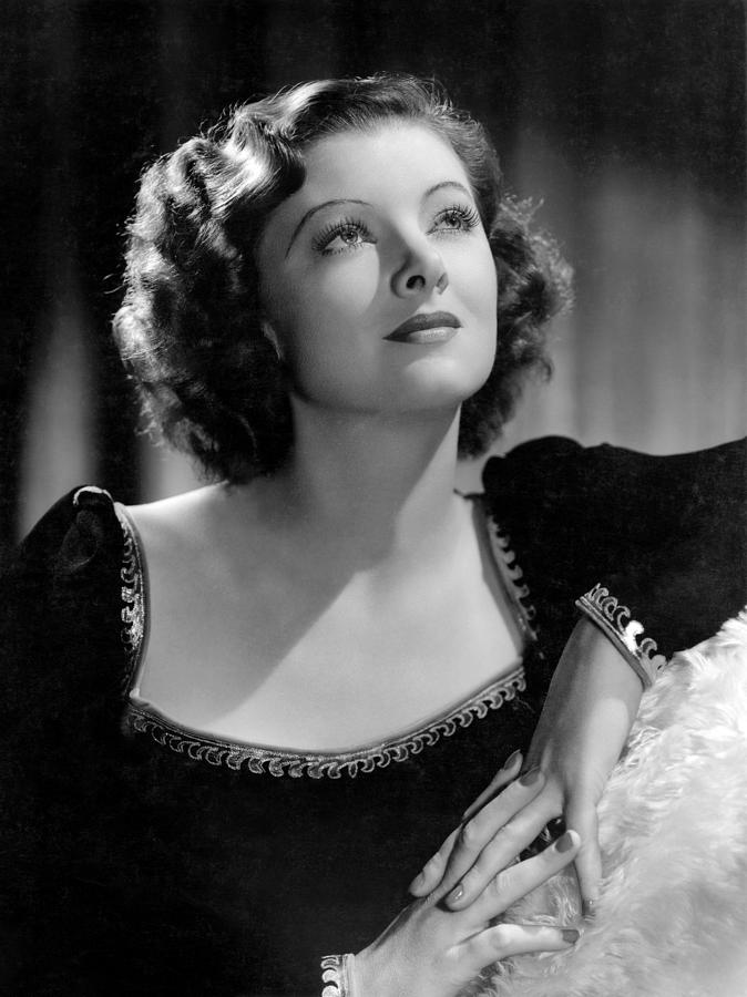 1-man-proof-myrna-loy-mgm-portrait-everett